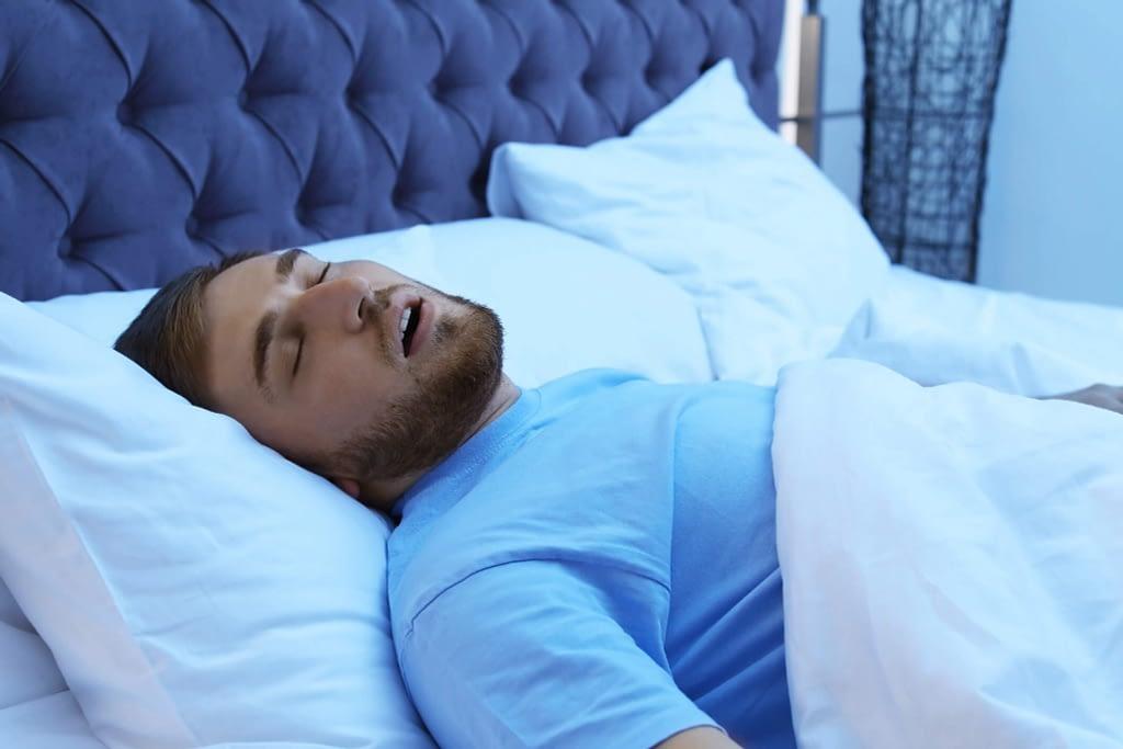man sleeping sleep cycle two 2048x1365 1