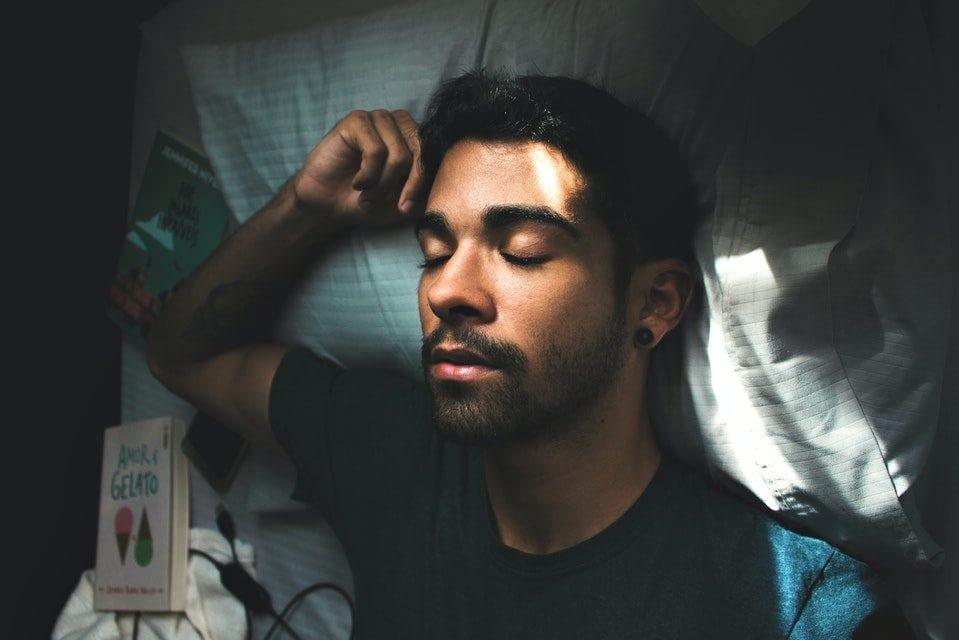 man falling asleep e1591011079134