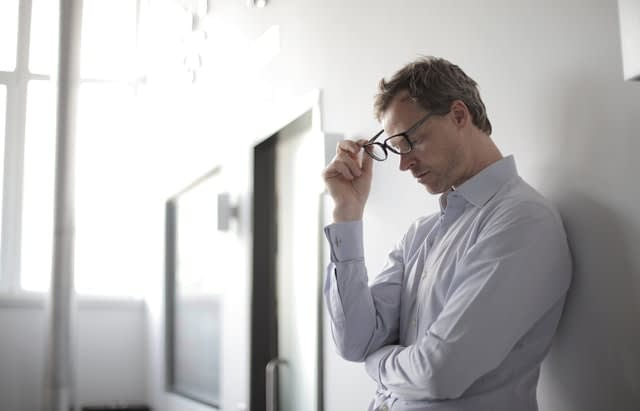sleep deprivation makes you produce more cortisol