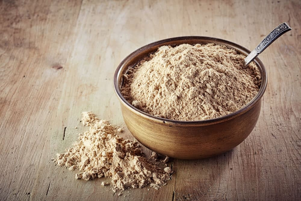 what does maca contain
